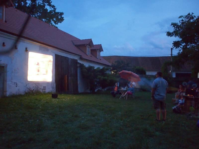 Projekce pro děti v Záhoří  - Srpen 2014