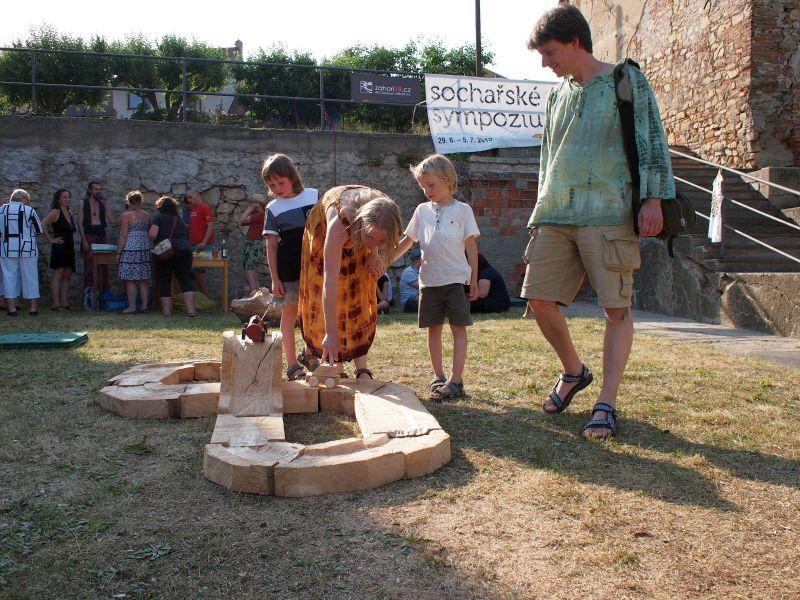 Den šestý - Výstava sochařských děl